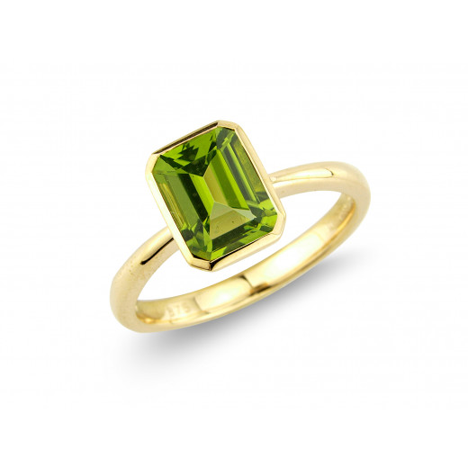 9ct Yellow Gold Large Octagonal Peridot Ring