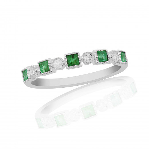 18ct White Gold Diamond & Emerald Ring